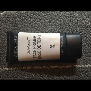 WET N WILD FACE PRIMER USED ONCE